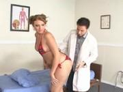 Ava Rose ruchana przez doktora